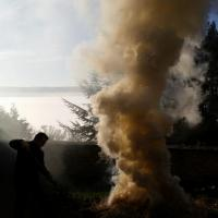 26 déc. matin, Signaux de fumée de Jean-Michel, au dessus de la brume