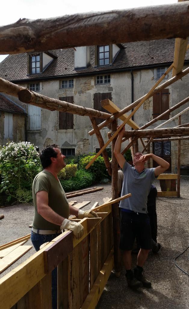 """Sam, et les charpentiers """"Com-Com""""..."""