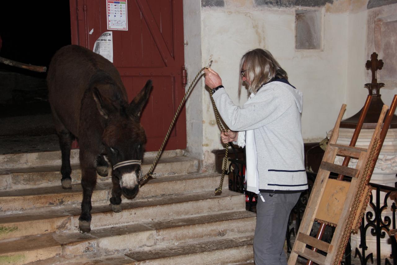 24 décembre 19h30, au tour de César de descendre l'escalier av. Claude