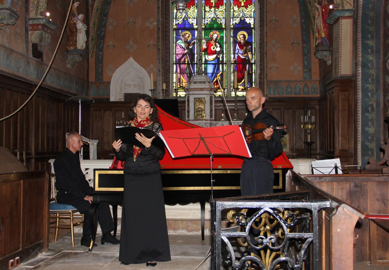 Olivier Pesenti, clavecin - Blandine Coffigny, chant - Hugues Roumy, violon