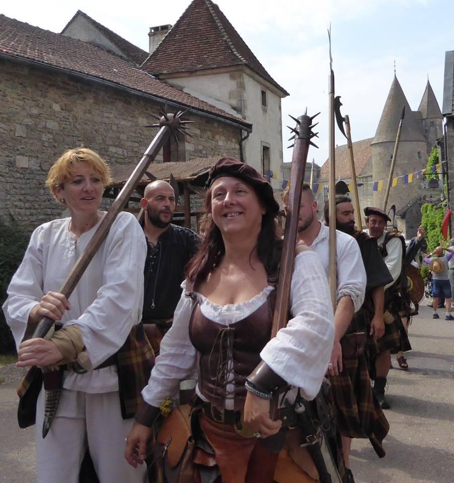 Terra Crom : Le Clan, dans le défilé